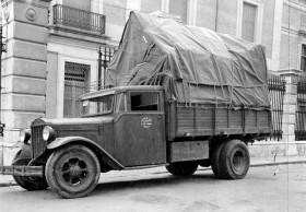 Salvaguarda del Tesoro Artístico Nacional durante la Guerra Civil española · Museo del Prado · Camión preparado para transportar a Valencia las obras del Museo del Prado