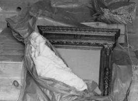 Salvaguarda del Tesoro Artístico Nacional durante la Guerra Civil española · Museo del Prado · Embalaje del Autorretrato de Durero para su traslado a Valencia